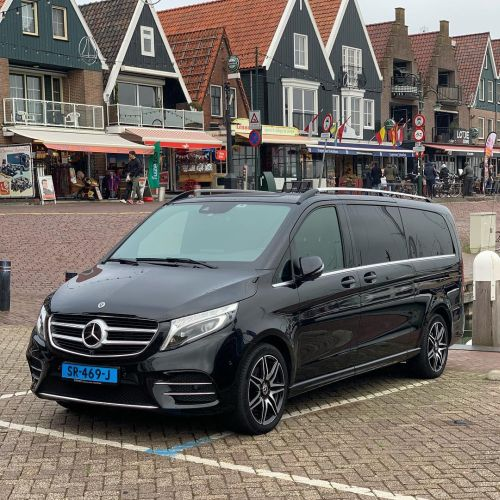 Private tour Volendam private limovan mercedes