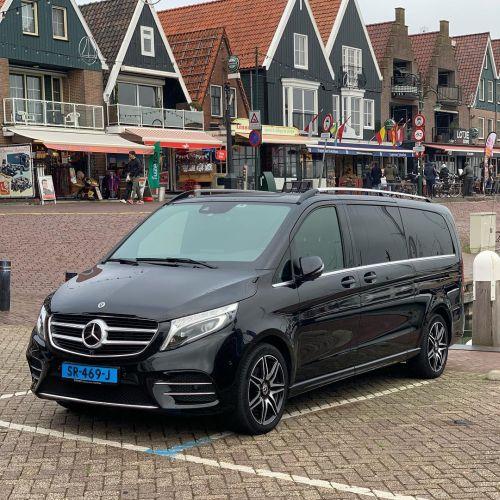 Private tour Volendam private limovan mercedes